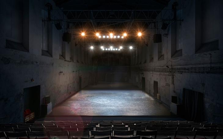 Co se děje v zavřeném divadle?