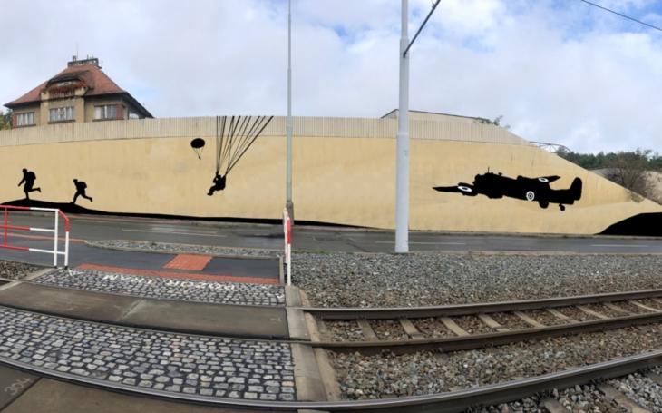 Zeď nad Vychovatelnou připomene atentát na Heydricha