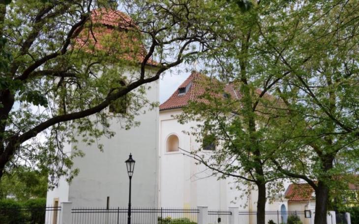 Jaké vzácnosti skrývá nenápadný kostelík?