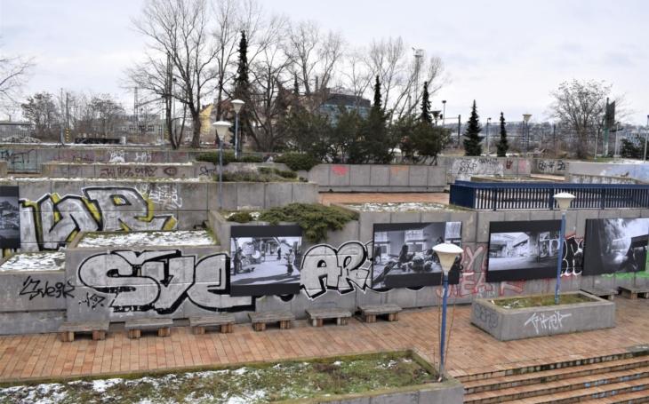 Pouliční fotograf zveřejnil své snímky lidí z Vltavské