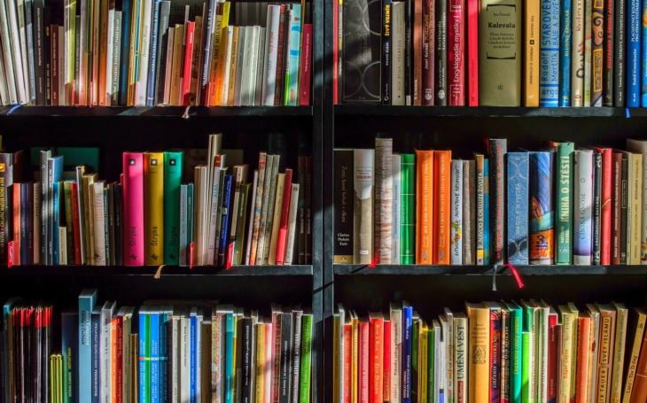 Knihovna otevřela výdejní okna – Knihokna