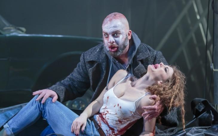 Národní divadlo představuje Rigoletta bez hrbu, zato s popálenou tváří